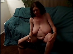 bbw granny strippes and..