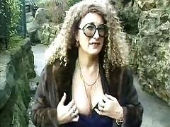 Undercover MILF displays her..