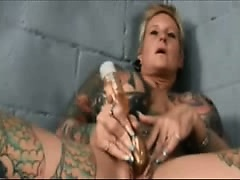 Tatoo Bondsman Masturbation