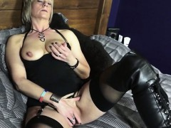 mature british woman in..
