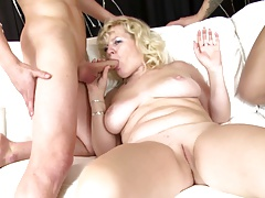 Hottest mature moms with an..